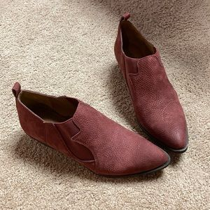 Iucky brand joelle cowgirl booties. Red leather